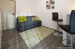 Das Nebenzimmer mit Schlafcouch der Wohnung Nummer 3 im Haus Möwennest Nummer 3 auf Borkum